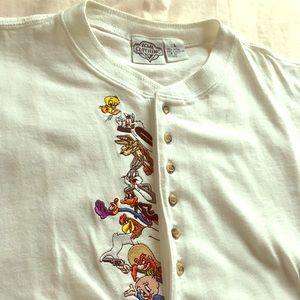 1991 LooneyToons/white long sleeve stitched beauty